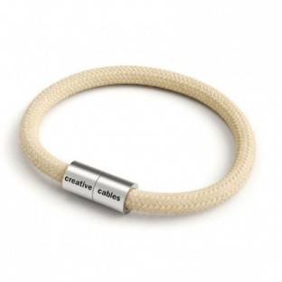 Bracelet with Matt silver magnetic clasp and RN06 cable